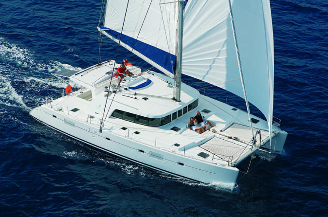 Luxury Dolphin Sail and Kealakekua Snorkel on Hawaii
