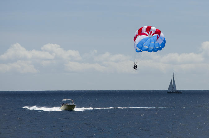 Waikiki Parasailing Experience on Oahu